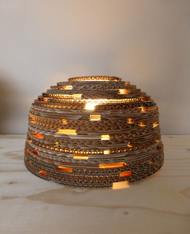 design tafellamp van karton yurt s