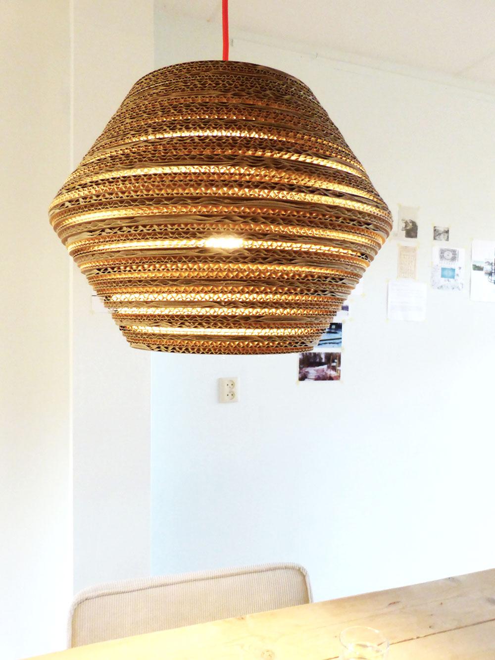 luuuxoo-kartonnen-hanglamp-ombo-onder
