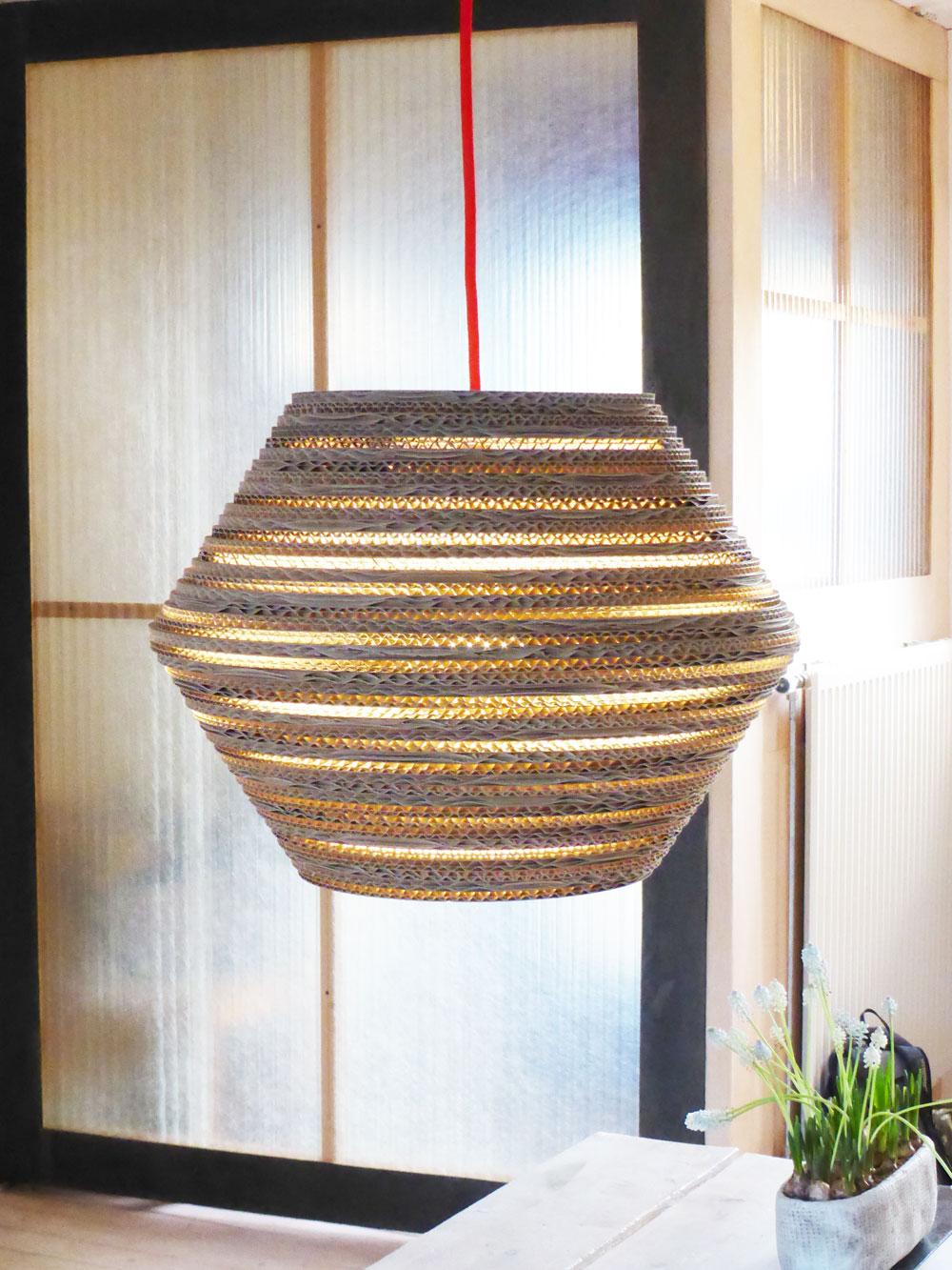 luuuxoo-kartonnen-hanglamp-ombo-zij