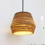 kartonnen upcycle lamp onder